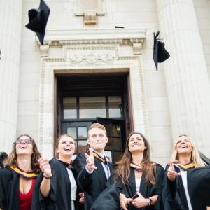 uom-graduation-4213